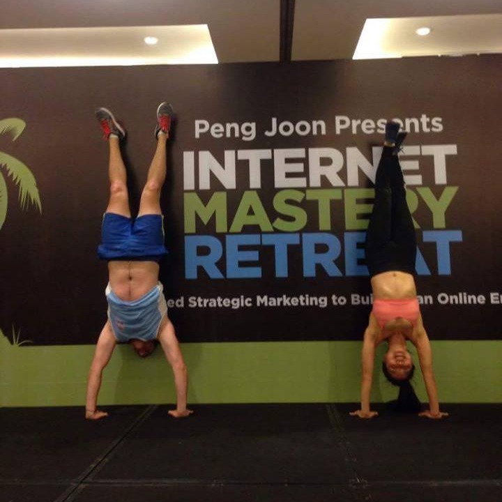 nic-findlay-internet-mastery-retreat-handstand